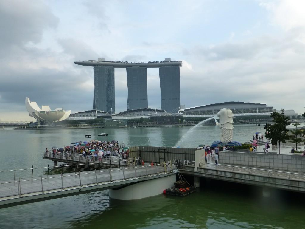 Вид на Marina Bay и статую Мерлиона