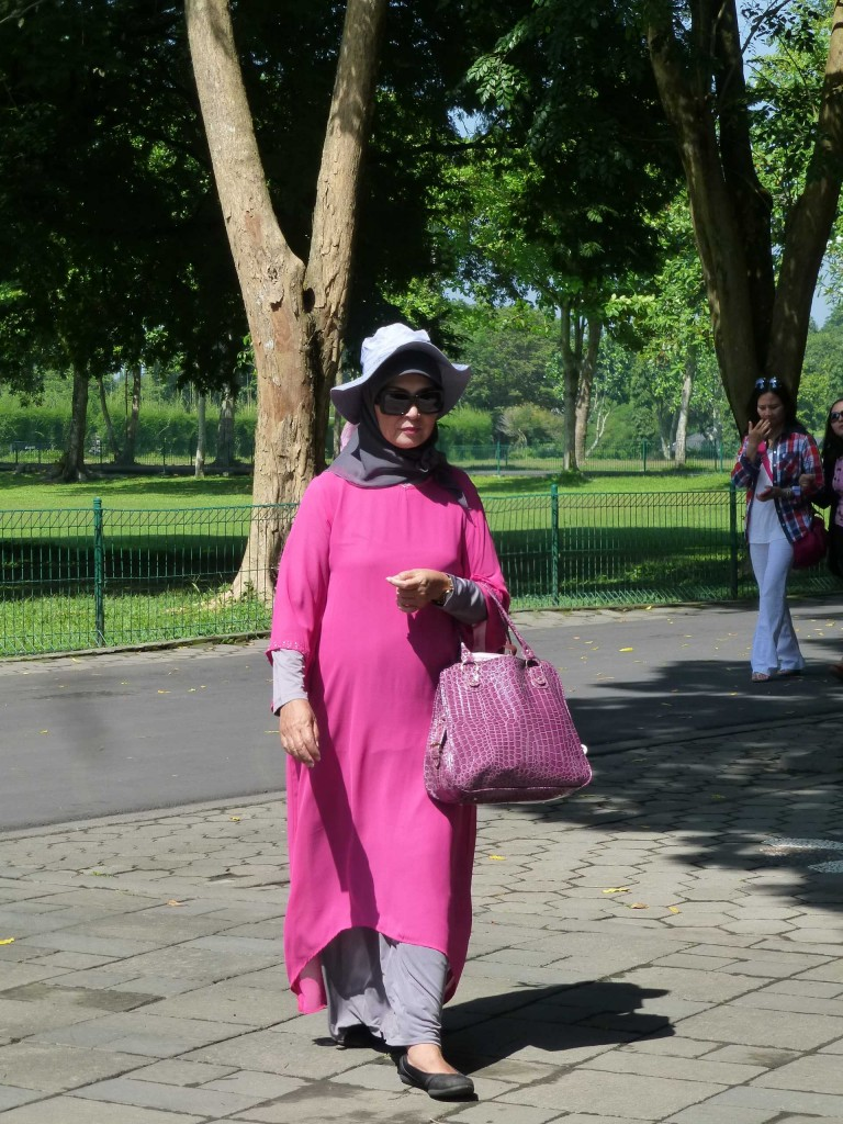 Так одеваются настоящие индонезийские леди!