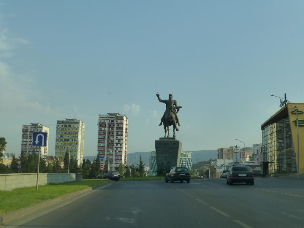 Памятник Давиду Строителю на въезде в Тбилиси