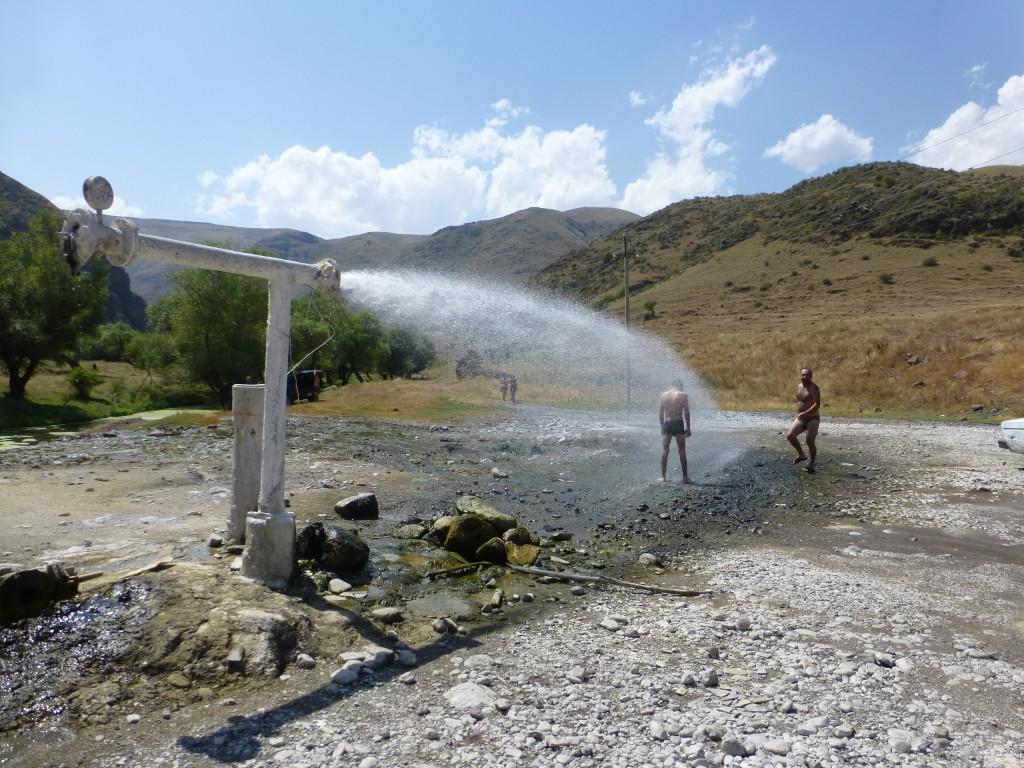 Струя минеральной воды