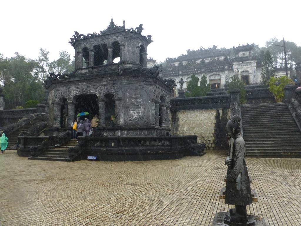 Гробница Кай Диня