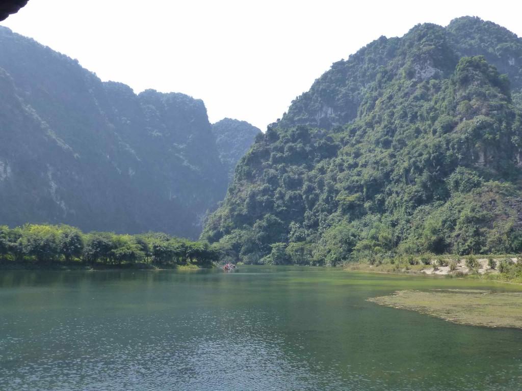 На реке Транг Ан