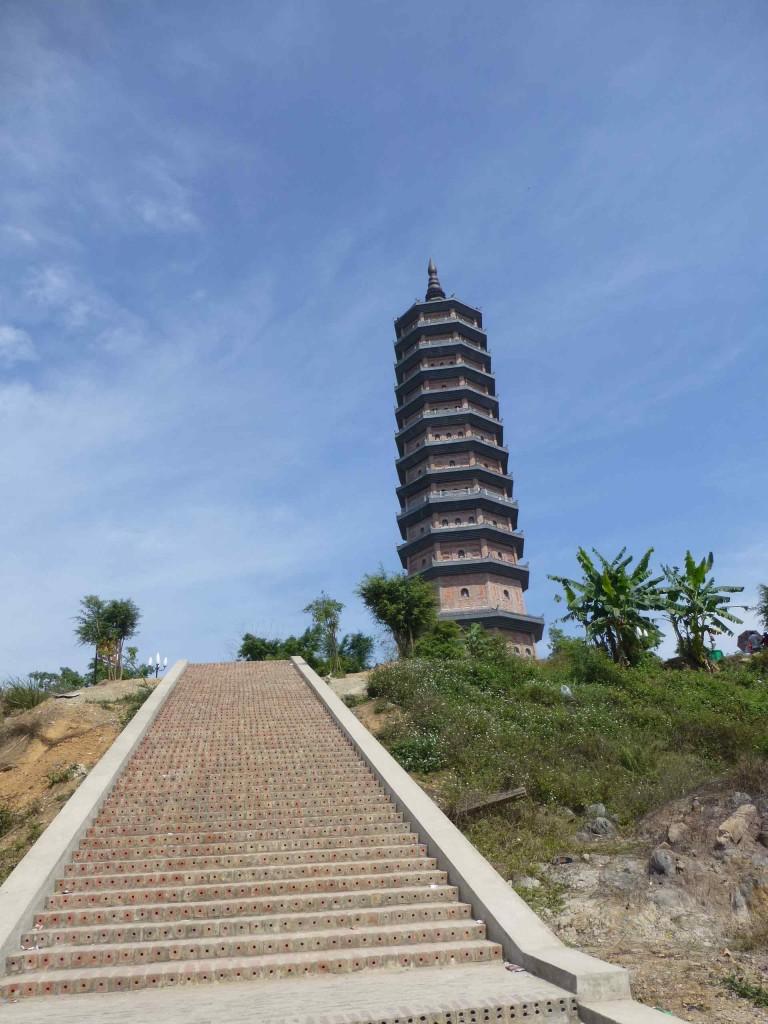 Башня, к которой выходишь, если поднимаешься пешком