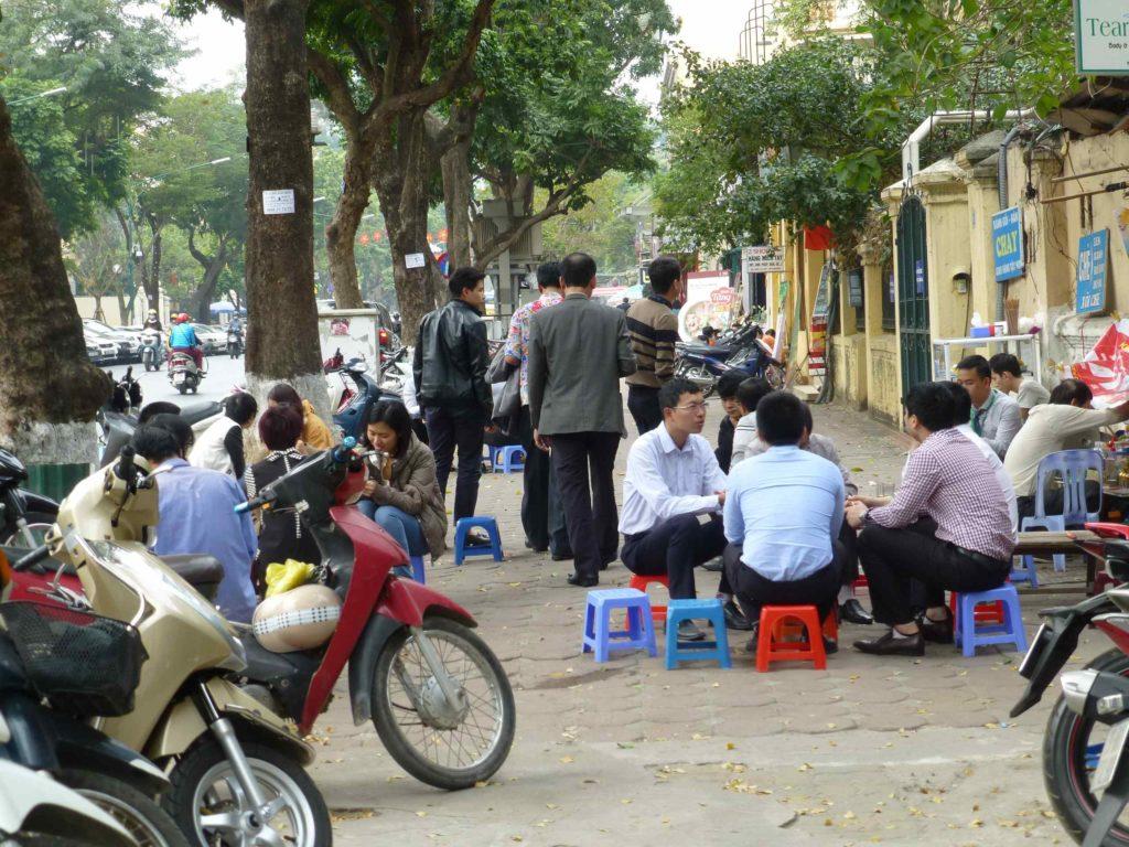 Обед на улицах Ханоя