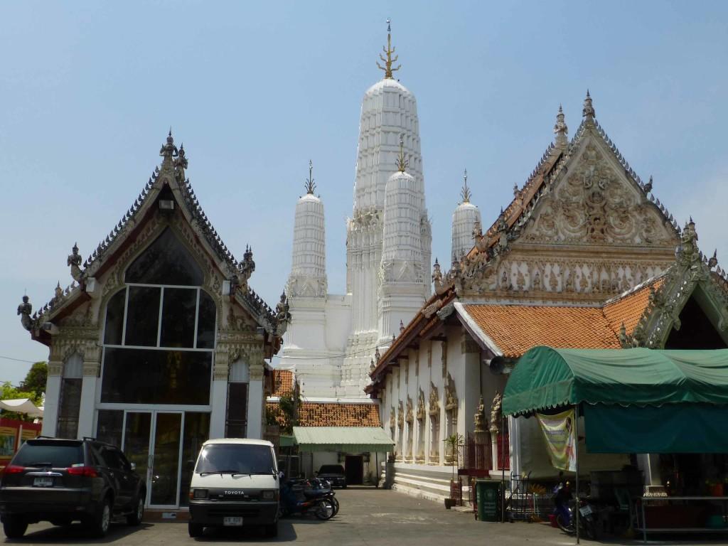 Храм Wat Mahathat WorraWihan