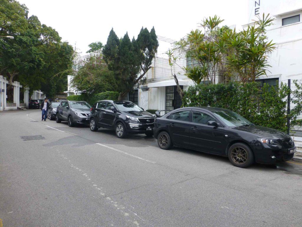Любимый цвет машин - черный
