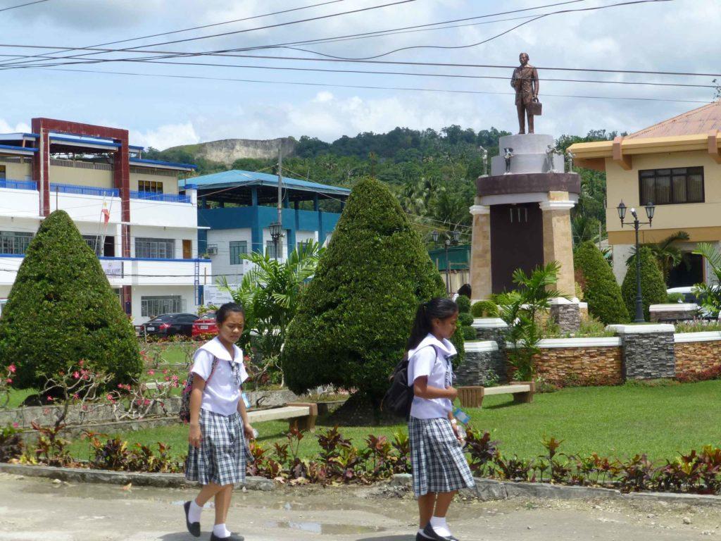 Памятник Хосе Ризалю в Лобоке