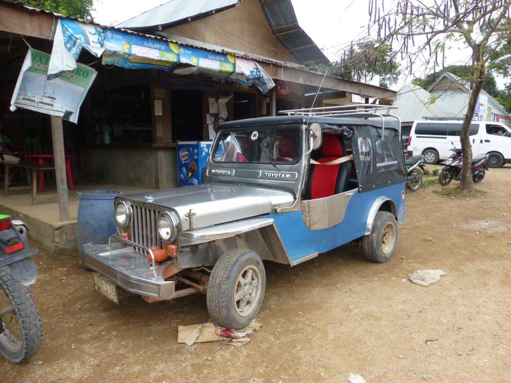 Крутой автомобиль в Тайтае