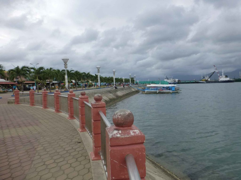 Набережная с видом в сторону порта