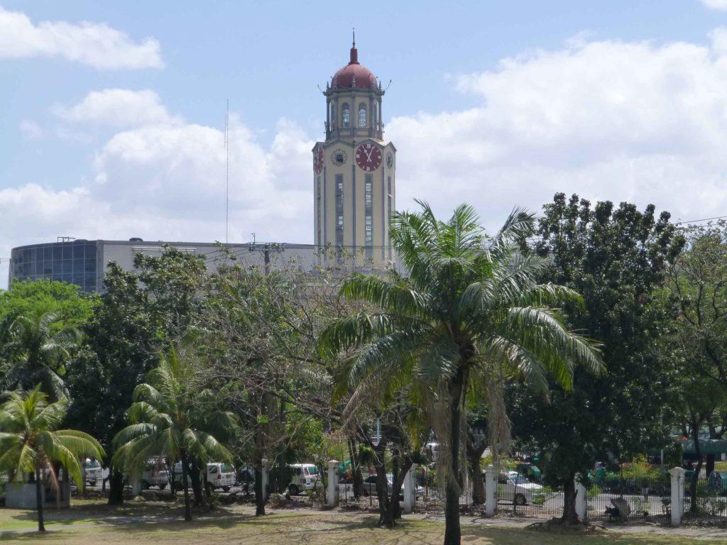 Башня с часами городской ратуши