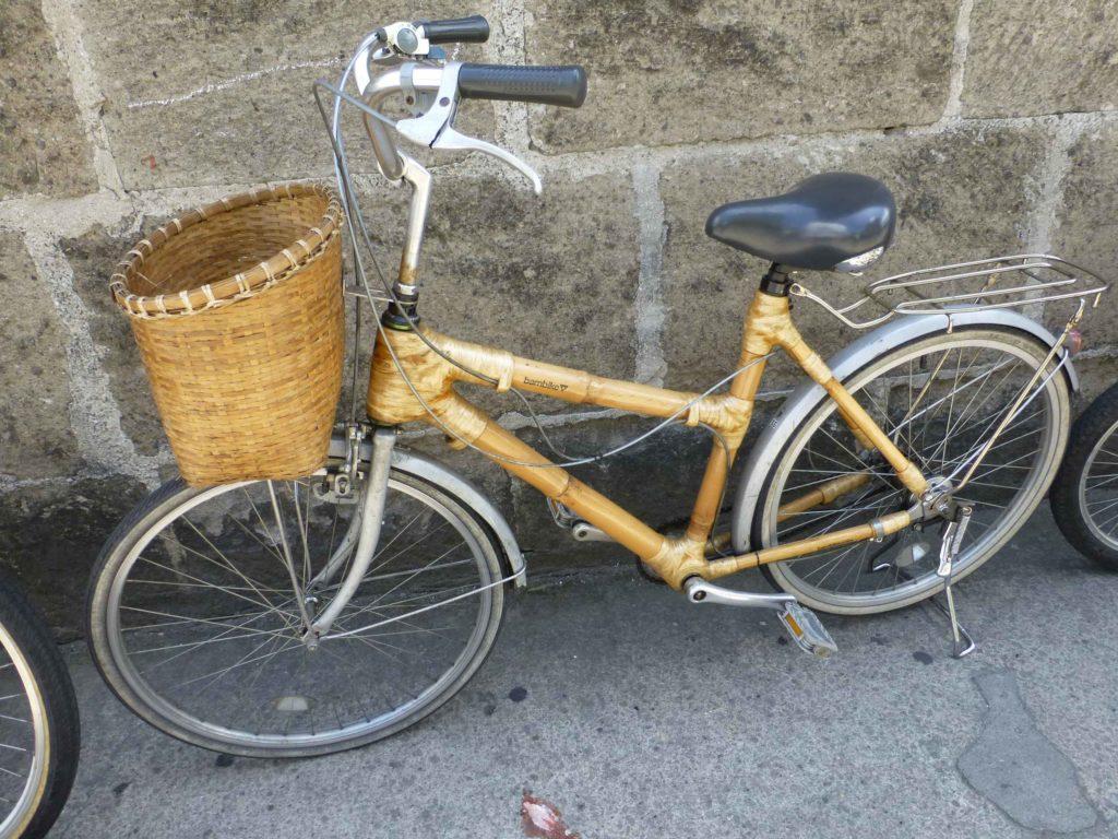 Велосипед с рамой из бамбука
