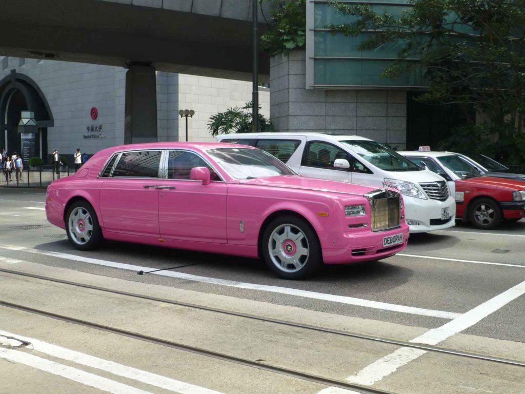 Розовый ролсройс