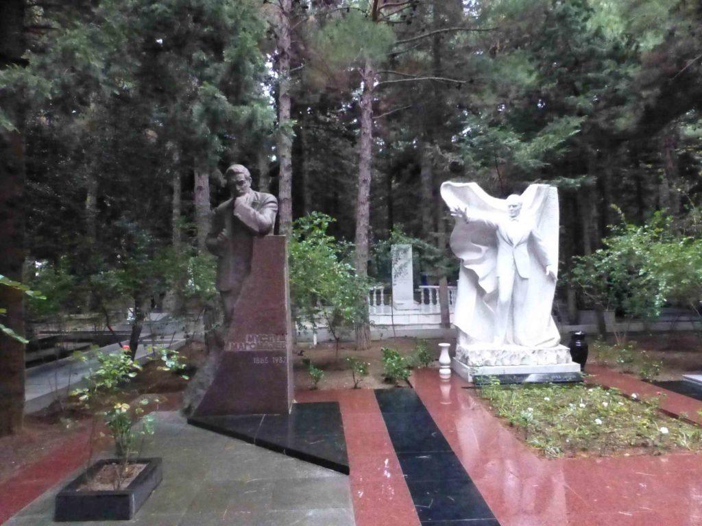 Захоронение Муслима Магомаева и его деда