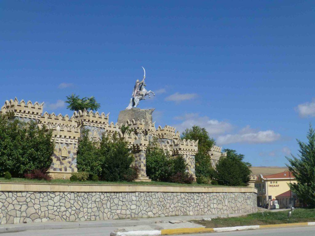 Памятник в городе Шемаха
