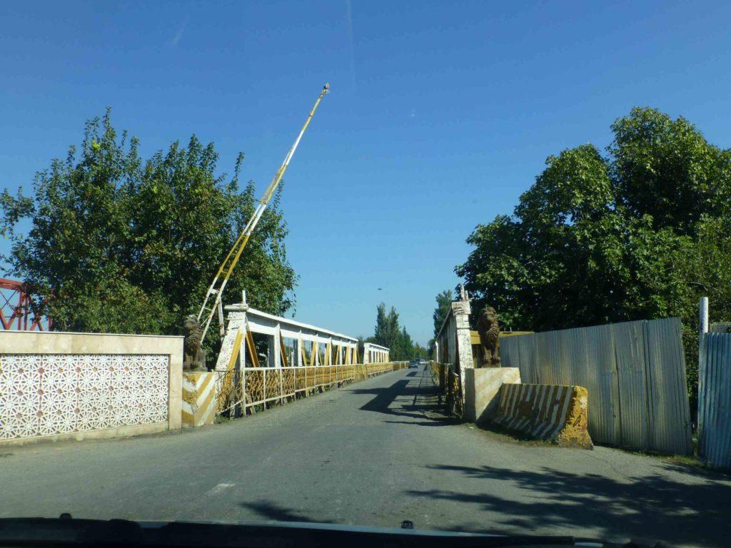 Мост со львами