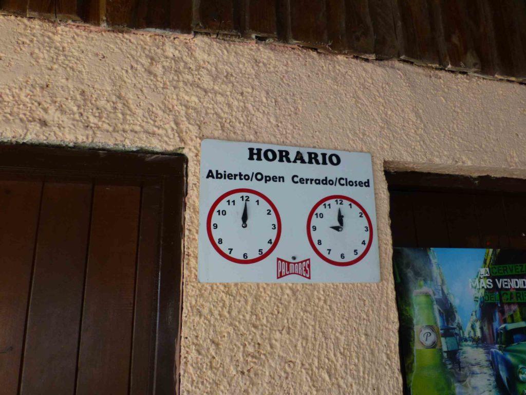 """Часы работы кафе """"Esquina"""""""