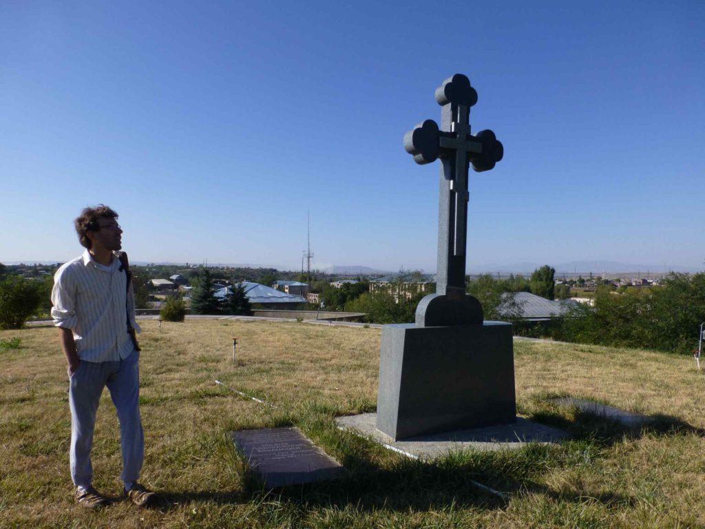 Памятник у могилы Меликова, погибшего при штурме Карса в 1877г.