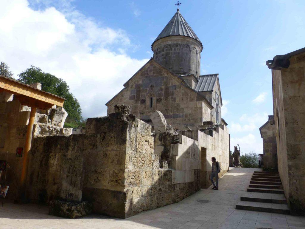 Храм в Агарцине