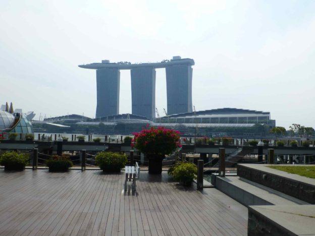 Сингапур транзитом