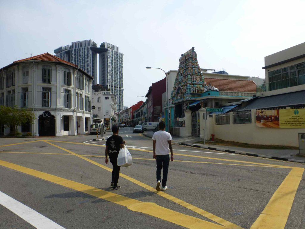 Улица Кеонг саик, отель сразу за храмом