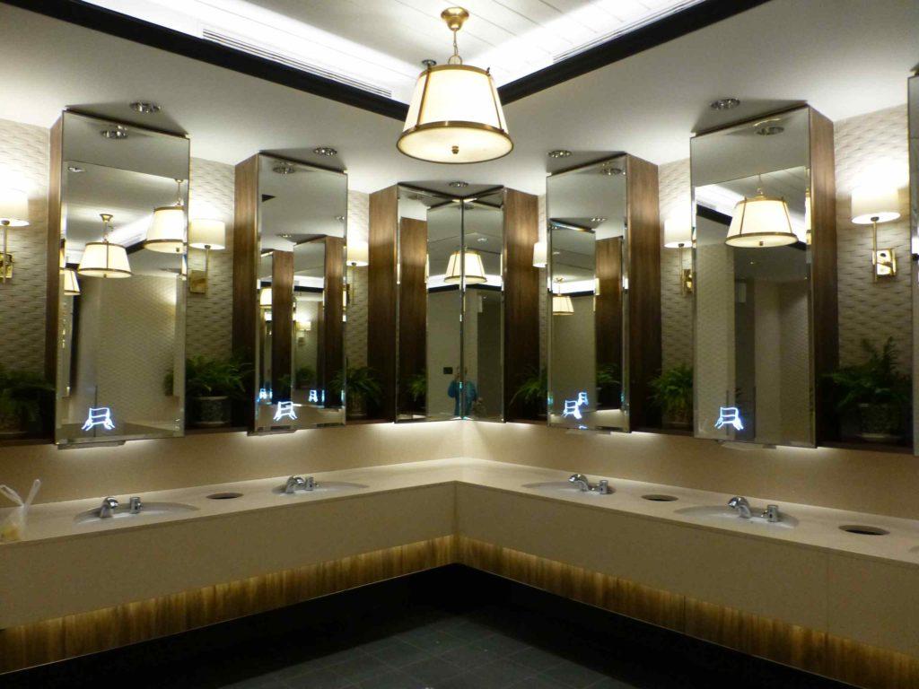 Туалет в терминале 3