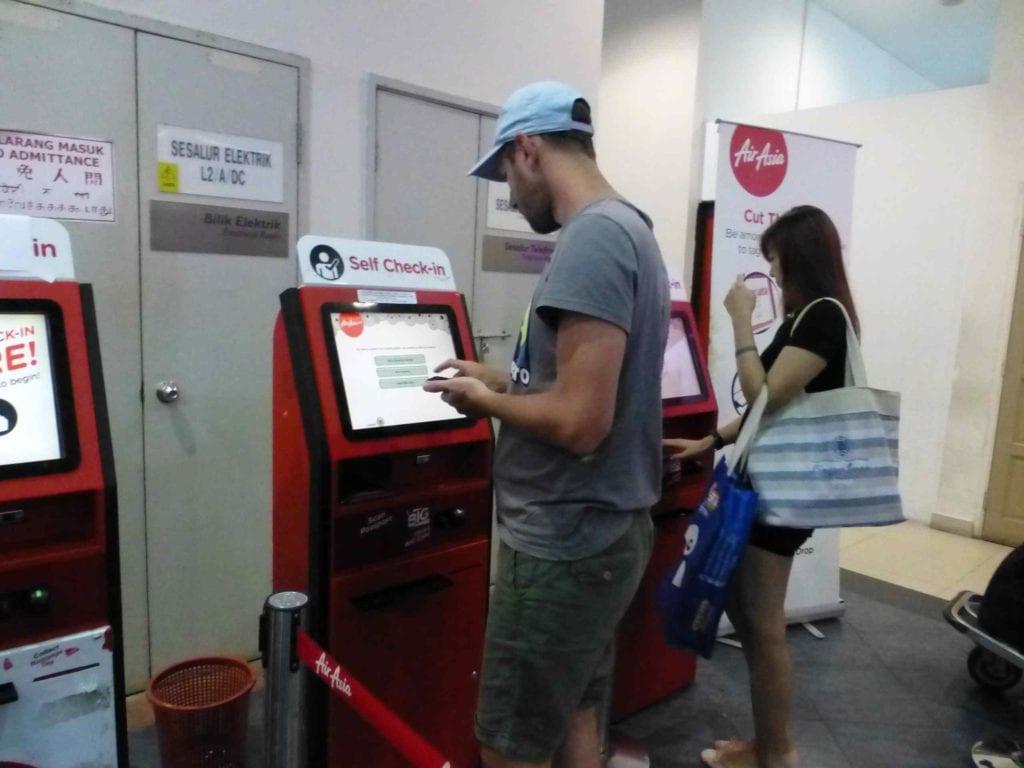 Регистрация на AirAsia