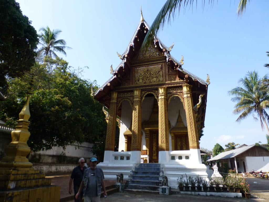 Храм под горой